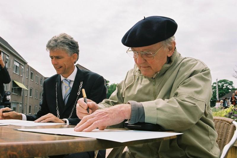 3.1 foto  ondertekening contract